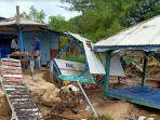 kondisi-fasilitas-wisata-pantai-lon-malang-di-desa-bira-tengah-kecamatan-sokobanah-sampang.jpg