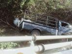 kondisi-mobil-pikap-ketika-terperosok-ke-dalam-sungai-di-desa-campor-proppo-pamekasan.jpg