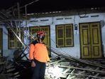 kondisi-teras-rumah-warga-kabupaten-blitar-roboh-akibat-gempa.jpg