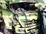 kondisi-truk-yang-mengalami-kecelakaan-lalu-lintas-di-madiun-adu-moncong-dengan-truk-lain.jpg