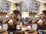 kota-lama-koffie-kafe-di-jalan-juanda-sidoarjo-yang-menu-utamanya-adalah-kopi-tetek.jpg