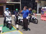 mahasiswa-asal-papua-mengikuti-sosialisasi-safety-riding-di-satlantas-polres-kediri-kota.jpg