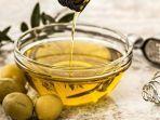 manfaat-minyak-zaitun-simak-manfaat-minyak-zaitun-bagi-perawatan-kulit-dalam-artikel-ini.jpg