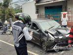 mobil-daihatsu-ayla-yang-ringsek-akibat-kecelakaan-maut-di-jalan-surabaya-malang.jpg