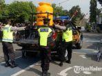 mobil-patroli-tangguh-covid-19-polres-bangkalan-disiapkan-untuk-mengedukasi-warga.jpg