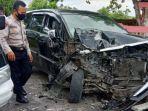 mobil-yang-terlibat-kecelakaan-didesa-banjarworo.jpg