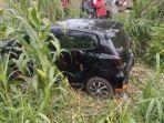 mobil-yang-terlibat-kecelakaan-diperlintasan-kereta-api.jpg