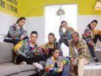 model-memakai-jaket-terbaru-karya-embran-nawawi-yang-berkonsep-neo-hipop.jpg