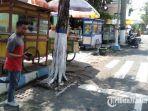 para-pedagang-kaki-lima-pkl-di-jalan-wijaya-kusuma-kecamatan-sampang.jpg