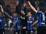 para-pemain-inter-milan-merayakan-kemenangan-atas-ac-milan-pada-laga-liga-italia.jpg