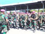 pasukan-pasmar-2-marinir-surabaya-saat-persiapan-berangkat-menuju-ke-jakarta.jpg