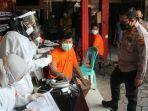 pejabat-bangkalan-kapolres-bangkalan-akbp-alith-alarino-memantau-pelaksanaan-vaksinasi.jpg