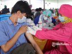 pelaksanaan-vaksinasi-di-lapangan-thor-surabaya-jumat-3072021.jpg