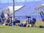 pemain-arema-fc-latihan-di-stasiun-kanjuruhan-kabupaten-malang.jpg
