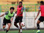 pemain-madura-united-sedang-berlatih-mengadapi-liga-1-2021.jpg