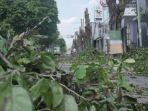 pemangkasan-pohon-di-sepanjang-jalan-kyai-ilyas.jpg