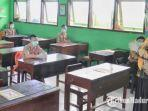 pembelajaran-tatap-muka-yang-sempat-digelar-di-sebuah-sekolah-di-kabupaten-trenggalek.jpg