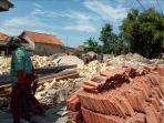 pengerjaan-proyek-bantuan-rehabilitasi-dan-renovasi-dari-pemerintah-pusat-di-sdn-polagan-3.jpg