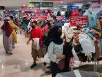 pengunjung-mal-alun-alun-kota-malang-pusat-perbelanjaan.jpg