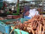 penjual-rempah-di-pasar-tradisional-srimangunan.jpg