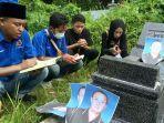 persatuan-wartawan-indonesia-pwi-kabupaten-sampang-madura-berziarah-ke-makam-jurnalis.jpg