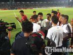 persela-lamongan-vs-borneo-fc-diwarnai-penalti-wasit-yang-kontroversial.jpg