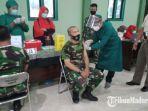 personel-kodim-0826-pamekasan-melakukan-vaksinasi-covid-19-di-aula-makodim-pamekasan.jpg