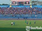 pertandingan-arema-fc-vs-bhayangkara-fc-di-stadion-kanjuruhan-malang.jpg