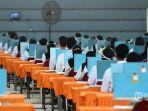 peserta-seleksi-kompetisi-bidang-skb-bagi-cpns-pemkot-surabaya-mengikuti-tes.jpg