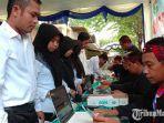 peserta-tes-skd-cpns-di-pamekasan-saat-melakukan-administrasi-di-kantor-bkpsdm-pamekasan.jpg