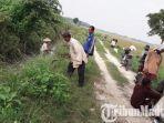 petani-desa-jaddih-kecamatan-socah-kabupaten-bangkalan.jpg