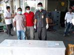 petugas-pos-pelayanan-penempatan-dan-perlindungan-tenaga-kerja-indonesia.jpg