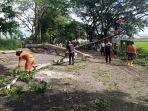 pohon-tumbang-yang-terjadi-di-jalan-mayjend-sungkono-kota-malang-selasa-8122020.jpg