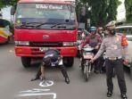 polisi-saat-melakukan-olah-tkp-kecelakaan-lalu-lintas-di-malang.jpg