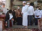 presiden-pks-ahmad-syaikhu-di-makam-syaikhona-kholil-minggu-2792021.jpg