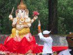 prosesi-persembahyangan-umat-hindu-perayaan-hari-raya-nyepi.jpg