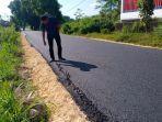 proyek-pemeliharaan-jalan-aspal-di-desa-ketawang-laok-kecamatan-guluk-guluk.jpg