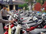 puluhan-sepeda-motor-yang-hendak-dipakai-buat-balapan-liar-saat-terjaring-razia.jpg
