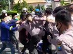 ratusan-aktivis-pergerakan-mahasiswa-islam-indonesia-pmii-melakukan-demonstrasi.jpg