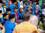 ratusan-massa-aktivis-pmii-cabang-pamekasan-saat-melakukan-diskusi.jpg