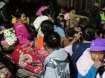 ratusan-warga-di-madiun-mengungsi-ke-tempat-yang-aman-setelah-rumah-mereka-terendam-banjir.jpg