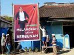 relawan-amir-burhannudin-pasang-banner-pilkada-tuban-2020.jpg