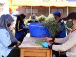 relawan-menyiapkan-makanan-untuk-kebutuhan-klaste.jpg