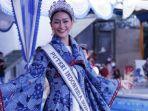rr-ayu-maulida-putri-puteri-indonesia-2020-saat-mencoba-memperagakan-batik-pamekasan.jpg
