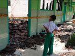 ruangan-kelas-di-sekolah-aliyah-syarif-hidayatullah-hangus-terbakar.jpg