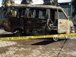 sebuah-mobil-carry-terbakar-di-spbu-karangketug-kota-pasuruan-selasa-13102020.jpg