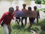 sejumlah-warga-mengevakuasi-tubuh-sobari-yang-tewas-tenggelam-di-sungai-widas-nganjuk.jpg