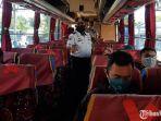 sidak-jarak-penumpang-di-bus-terminal-purabaya.jpg