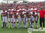 skuad-madura-united-vs-timnas-u-22-dalam-laga-uji-coba-di-stadion-gelora-bangkalan.jpg