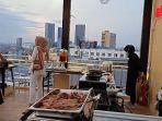 sky-lounge-147-di-lantai-20-gold-vitel-hotel-surabaya.jpg